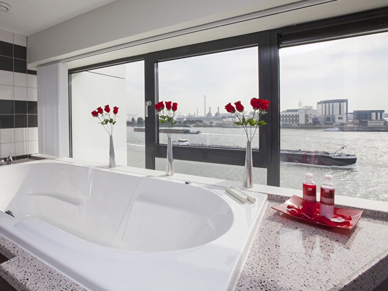 Red Roses (wedding)suite